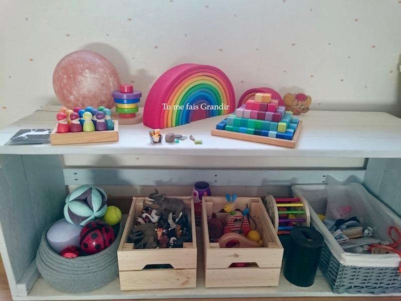 Chambre Montessori étagère