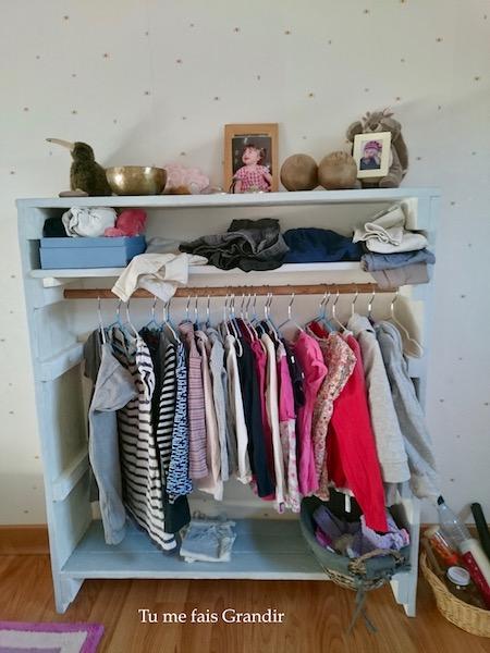 Chambre Montessori penderie